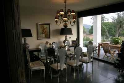 Дом на море в Испании в 40 минутах к северу от Барселоны с панорамным видом и бассейном